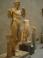 Pair of diadumenoi in the Metropolitan Museum of Art.png