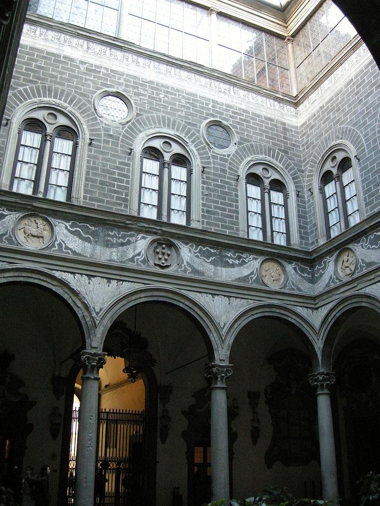 File:Palazzo medici riccardi, cortile 01.JPG - Wikimedia ...