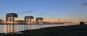 Panorama of the Rhine in Cologne.JPG