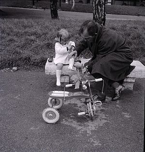 Marco Zanuso - Marco Zanuso photographed by Paolo Monti, 1960