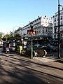 Paris 9e - Boulevard Montmarte, entrée du métro et kiosque à journaux, à l'angle de la rue du Faubourg Montmartre.jpg