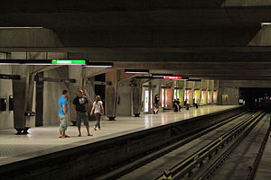 Peel station (Montreal Metro) - Image: Peel Metro Station