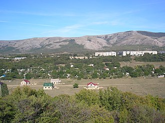 Perevalne - Perevalnoye village and a garrison
