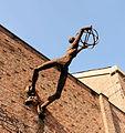 Peter Laszlo Peri Diagonal Sculpture Exeter Uni.jpg