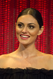 Phoebe Tonkin - the hot, beautiful,  actress  with Australian roots in 2018