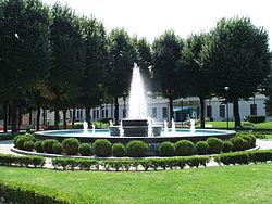 Piazza IV Novembre Lissone fontana.JPG