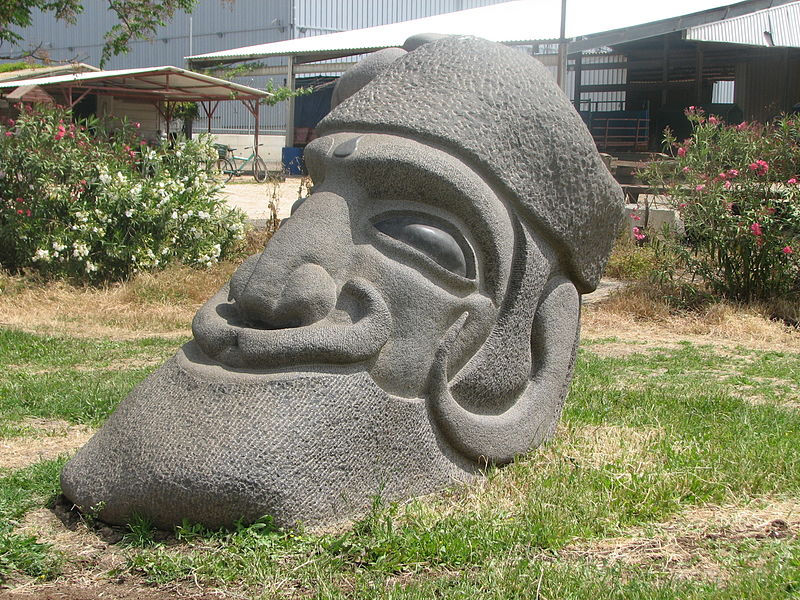 פסל מבזלת