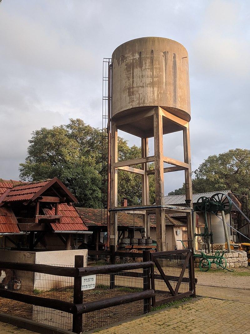 מגדל המים בעין שמר