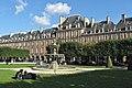 Place des Vosges 2015.jpg