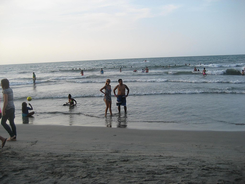 Playa Bocagrande, Cartagena, Colombia (24581462635)