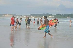 Español: Otra playa de Cabo Frío donde por sus...