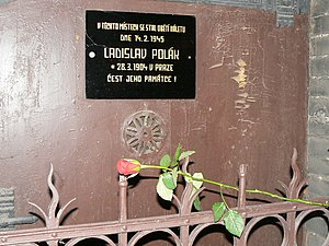 1945 Bombing of Prague - A memorial plaque in Apolinářská Street