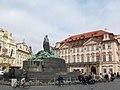 Praha, Husův pomník - panoramio.jpg