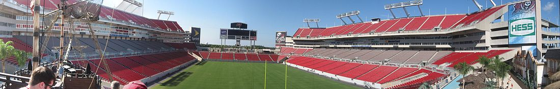 O Raymond James Stadium no ano 2009