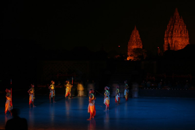 File:Ramayana dance performance at Prambanan Temple.jpg