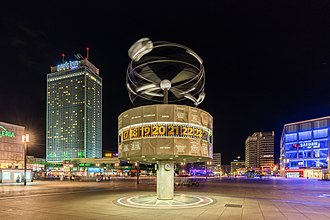 World Clock (Alexanderplatz) - A night view of the World Clock, taken on 22 April 2016.