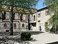 Restes du cloître gothique de Mozac.JPG