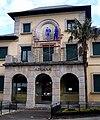 Ribadeo, retirada escudo Aduana.jpg