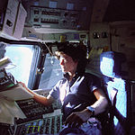 Ride on the Flight Deck - GPN-2000-001083.jpg