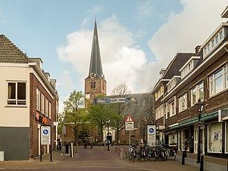 Rijswijk - Rijswijk, church (de Oude Kerk) in the street