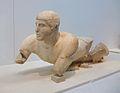 Riu Cladeu - Kladeos al frontó oriental del temple de Zeus, Museu Arqueològic d'Olímpia.JPG