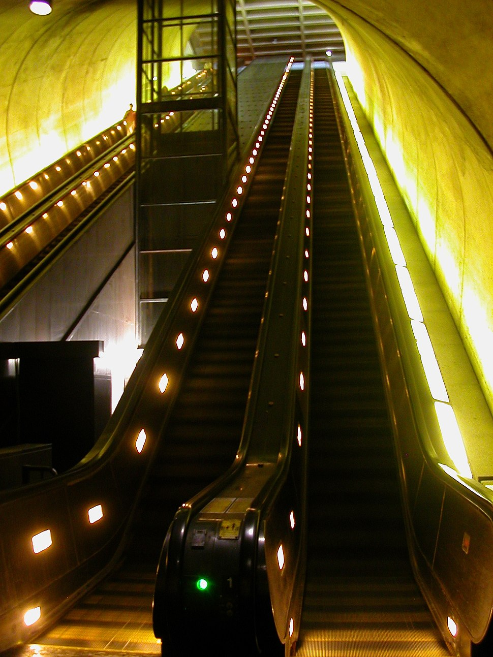 Rosslyn escalator