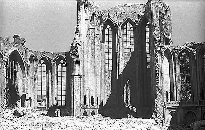 File:Rostock Jacobikirche Ruine.jpg