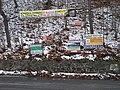 Roztoky u Křivoklátu, reklamy proti mostu.jpg