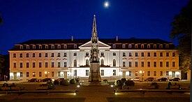 Universitetets hovedbygning.