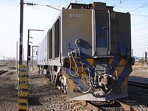 South African Class 11E - Image: SAR Class 11E 11 037