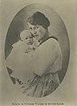 SAR LA PRINCESSE MARIE LOUISE D'ORLÉANS, PRINCESSE PHILIPPE DE BOURBON SICILES ET SON FILS GAETAN.jpg