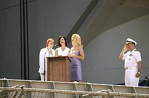 SHeDAISY - Image: S He DAISY USS Ronald Reagan 2
