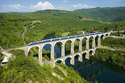 SNCF TGV Duplex Viaduc de Cize - Bolozon.jpg