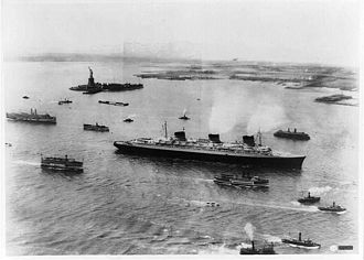 SS Normandie - Normandies triumphant arrival in New York harbor in June 1935 on her maiden voyage.
