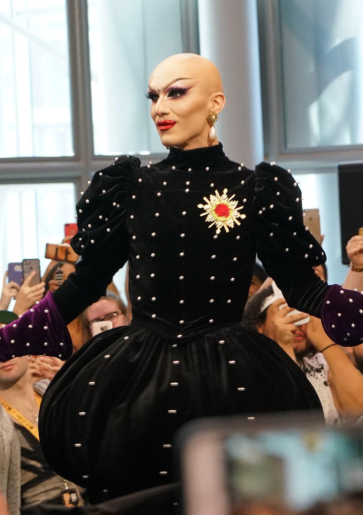 Rupaul Season  Finale Dress Designer