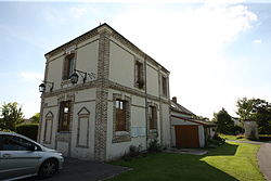 Sault-Saint-Remy - la Mairie - Photo Francis Neuvens lesardennesvuesdusol.fotoloft.fr.JPG