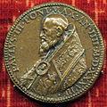 Scuola romana, medaglia di paolo III e la pace, 1535, variante a sx.JPG