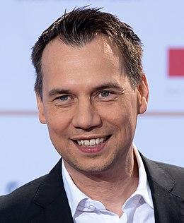 Sebastian Fitzek - Deutscher Radiopreis Hamburg 2016 02.jpg