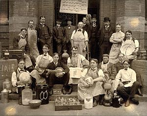 Sheffield Scientific School - Chemistry Class in 1898