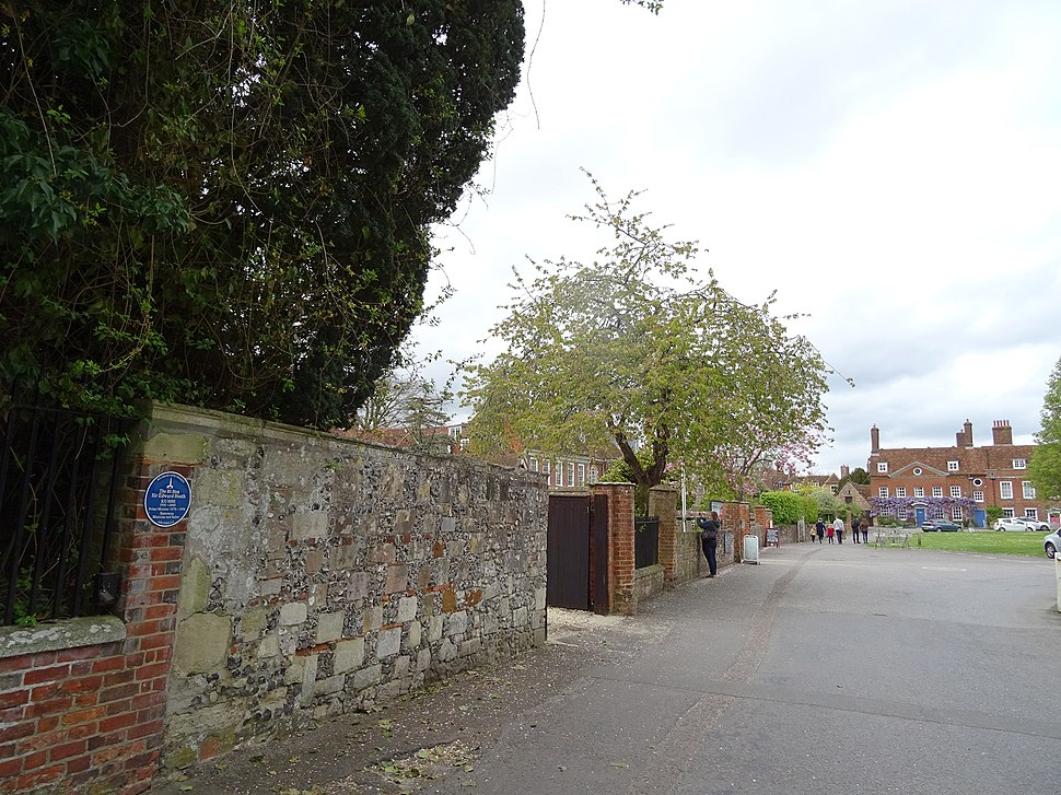 Sir Edward Heath - Arundells 59 Cathedral Close Salisbury SP1 2EN