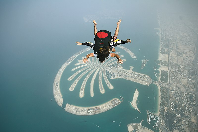 File:Skydiving over Palm Jumeirah.jpg