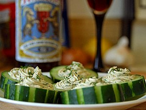 Mousse - Image: Smoked salmon and dill mousse in cucumber cups