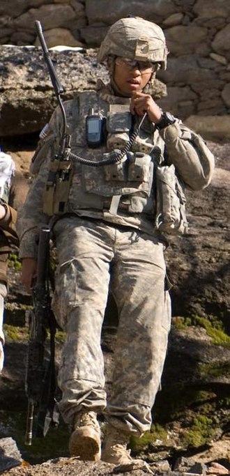 AN/PRC-148 - Soldier talks on MBITR radio