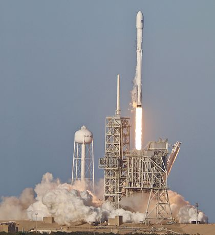 SpaceX SES-10 Launch !!! (33589317582).jpg