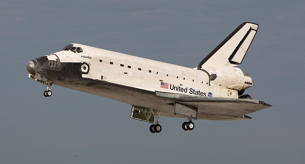 Space Shuttle Atlantis landing at KSC following STS-122 (crop)