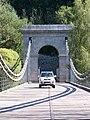 Stádlecký most, k dobřejické straně, s autem.jpg