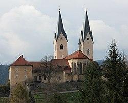 St Andrä - Pfarrkirche.jpg