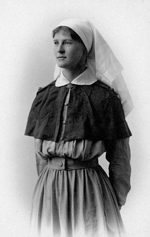 Tippet - WWI Australian Nurse Ella McLean, shown wearing tippet