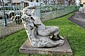 Statue femme square Théâtre Garde Chasse Lilas 4.jpg