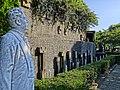 Statue of Giacomo Puccini and Tamaki Miura - panoramio.jpg